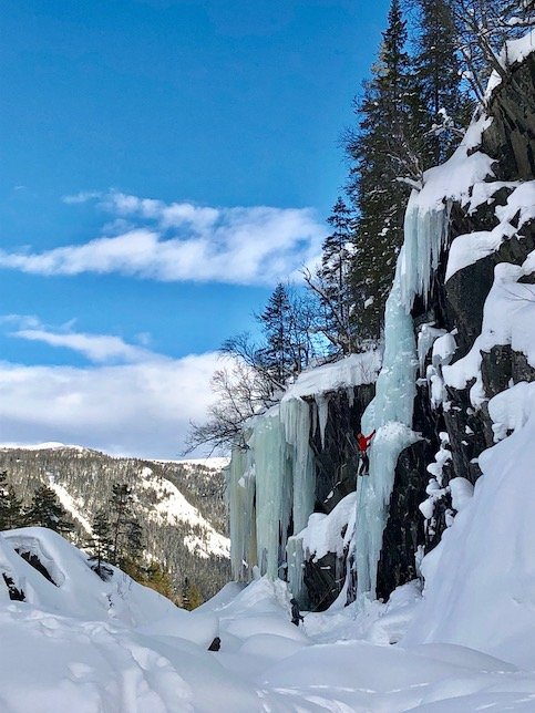 norway-ice-climbing-at-krokan